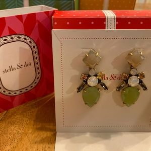 NIB Stella & Dot Flora Chandeliers Earrings